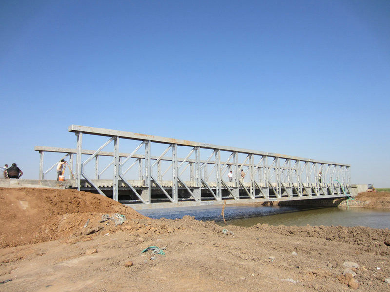 Commercial assembly steel temporary pedestrian bridge High Stiffness